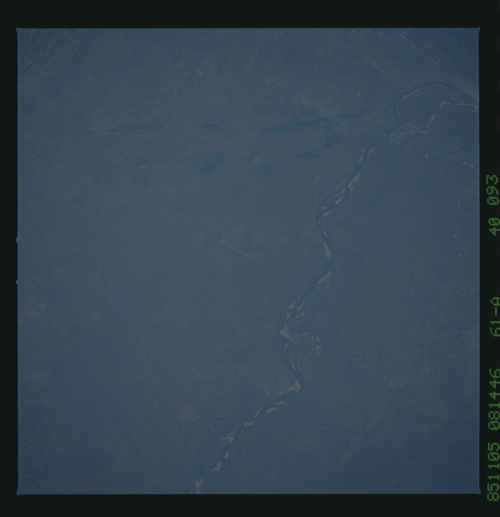 61A-40-093 - STS-61A - STS-61A earth observations