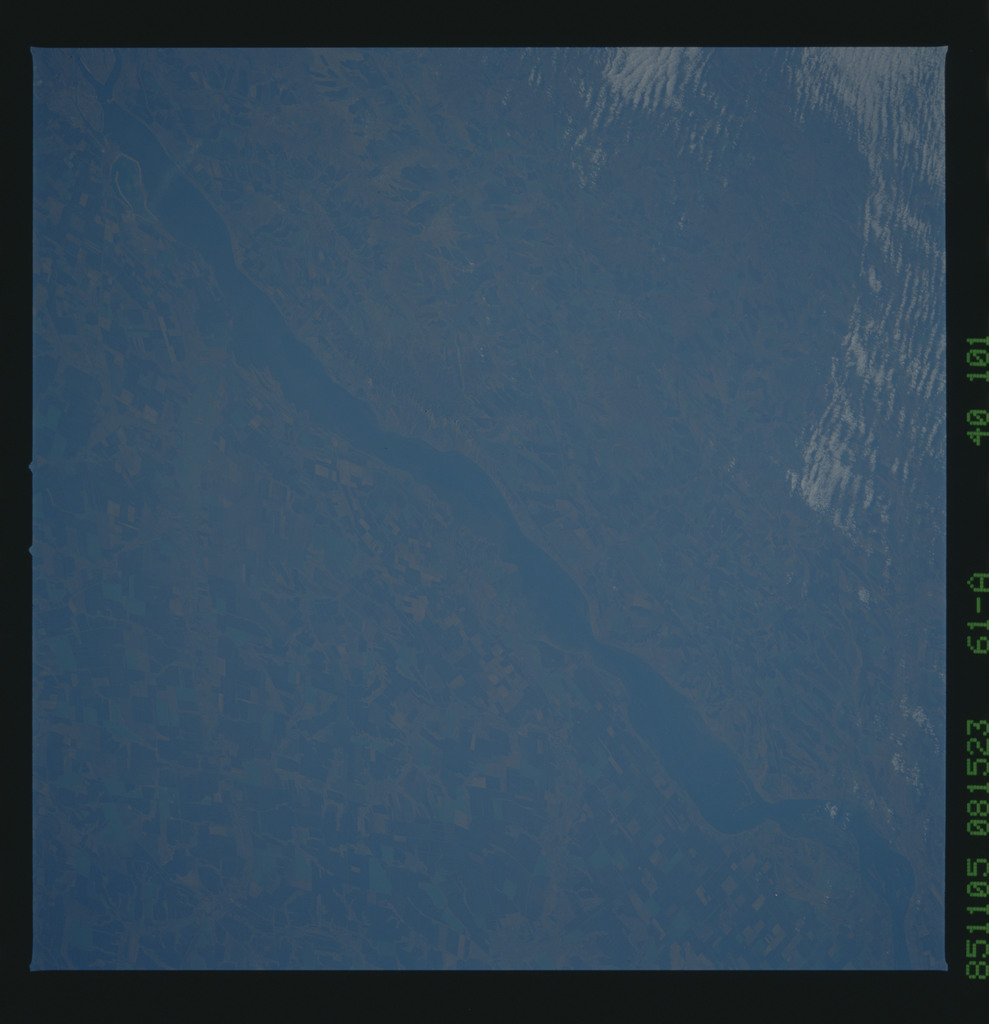 61A-40-101 - STS-61A - STS-61A earth observations