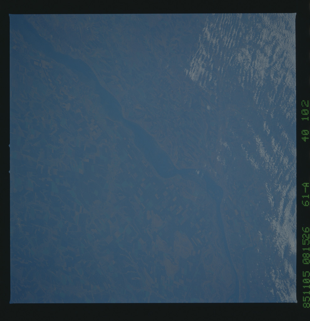 61A-40-102 - STS-61A - STS-61A earth observations