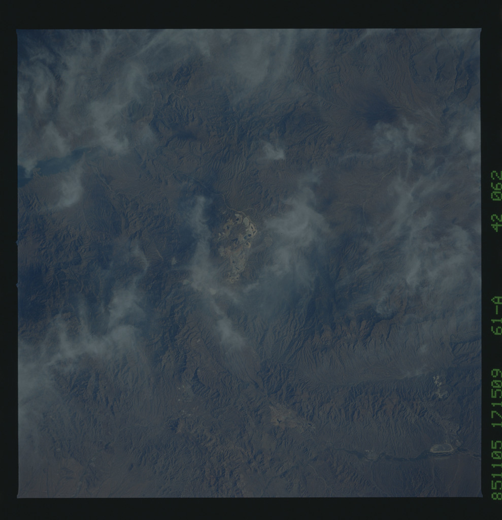61A-42-062 - STS-61A - STS-61A earth observations