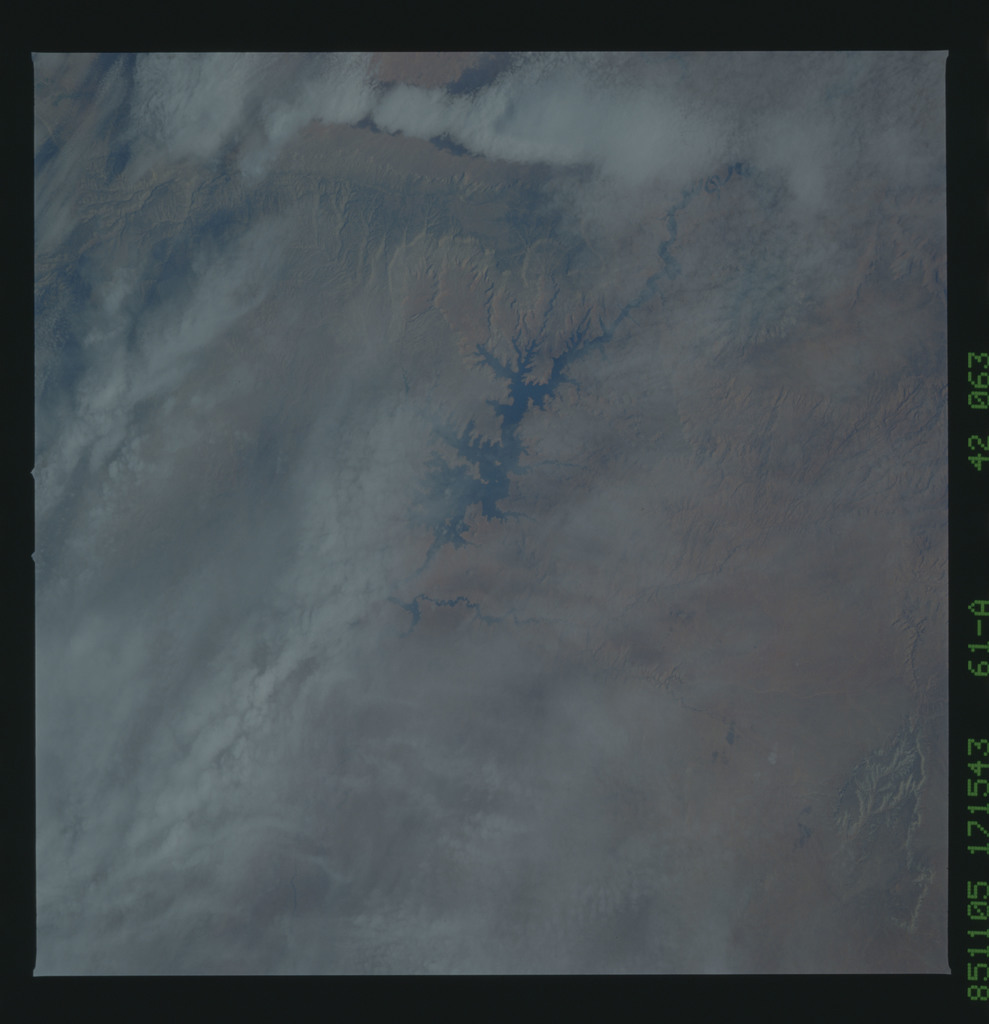 61A-42-063 - STS-61A - STS-61A earth observations
