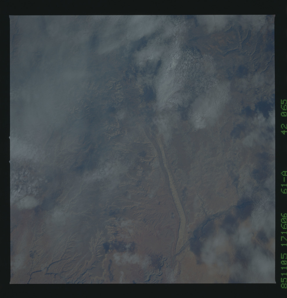 61A-42-065 - STS-61A - STS-61A earth observations