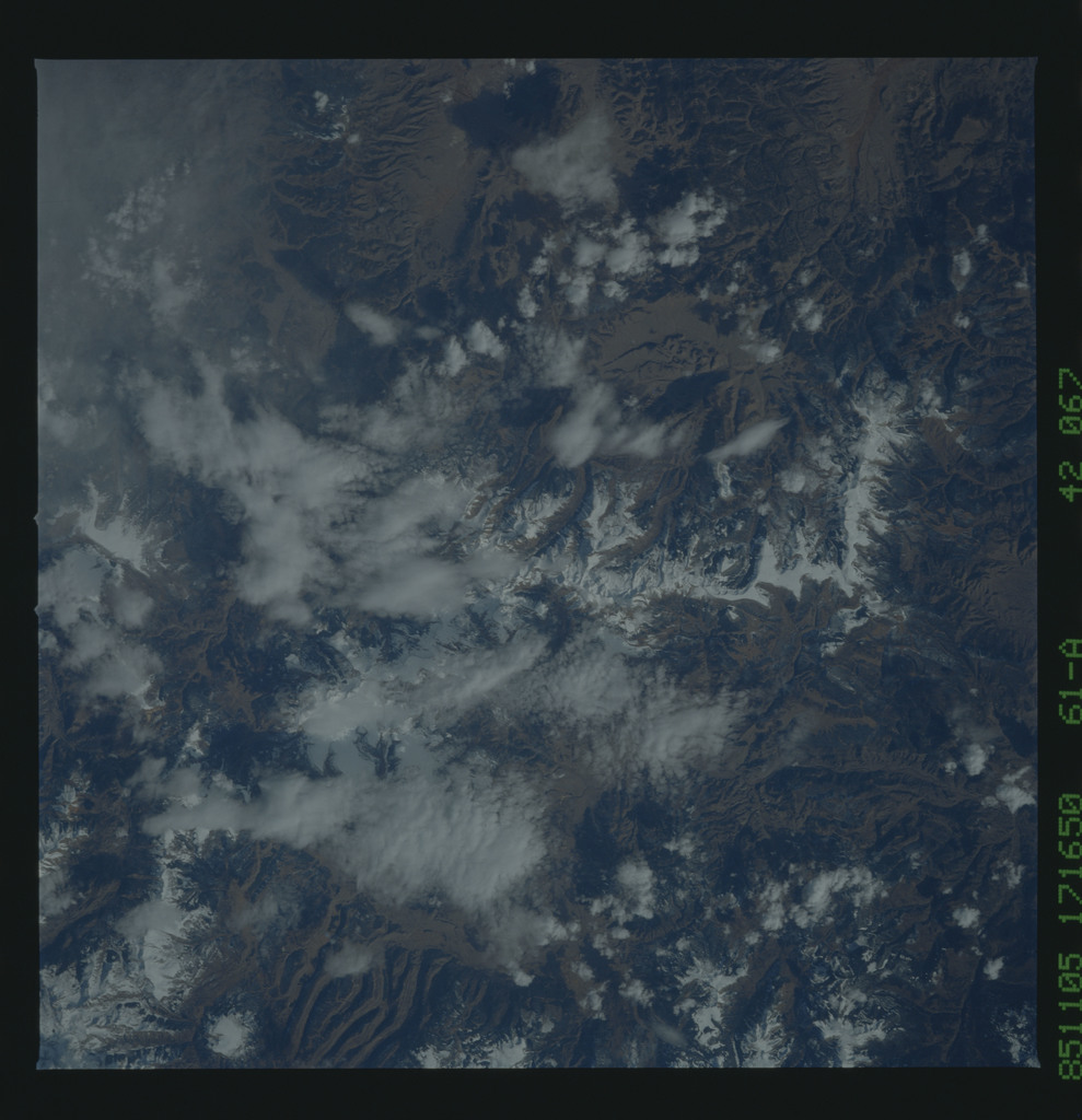 61A-42-067 - STS-61A - STS-61A earth observations