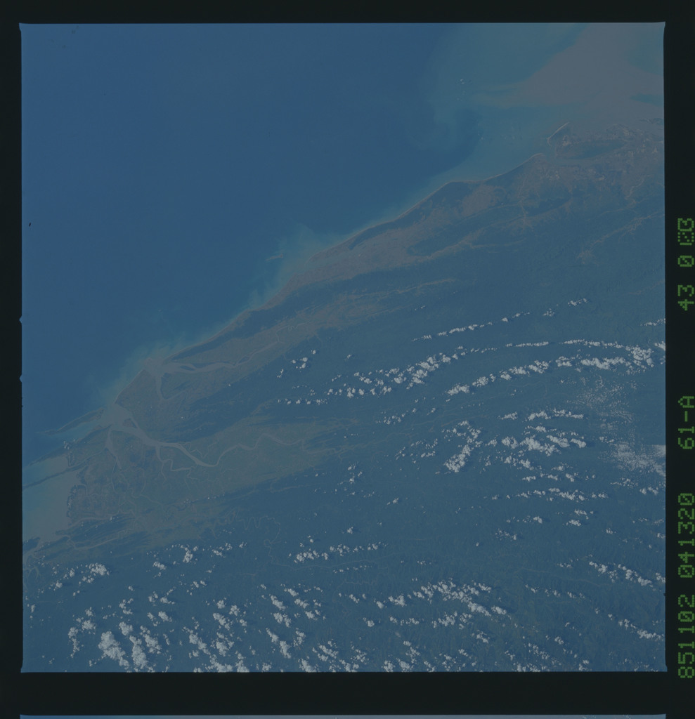 61A-43-003 - STS-61A - STS-61A earth observations