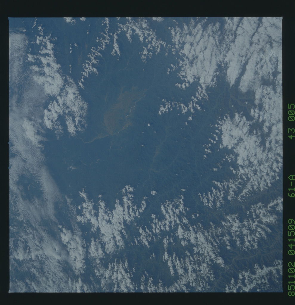 61A-43-005 - STS-61A - STS-61A earth observations