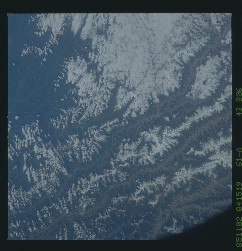 61A-43-006 - STS-61A - STS-61A earth observations