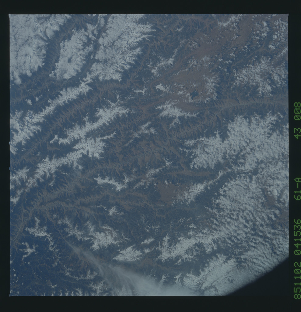 61A-43-008 - STS-61A - STS-61A earth observations