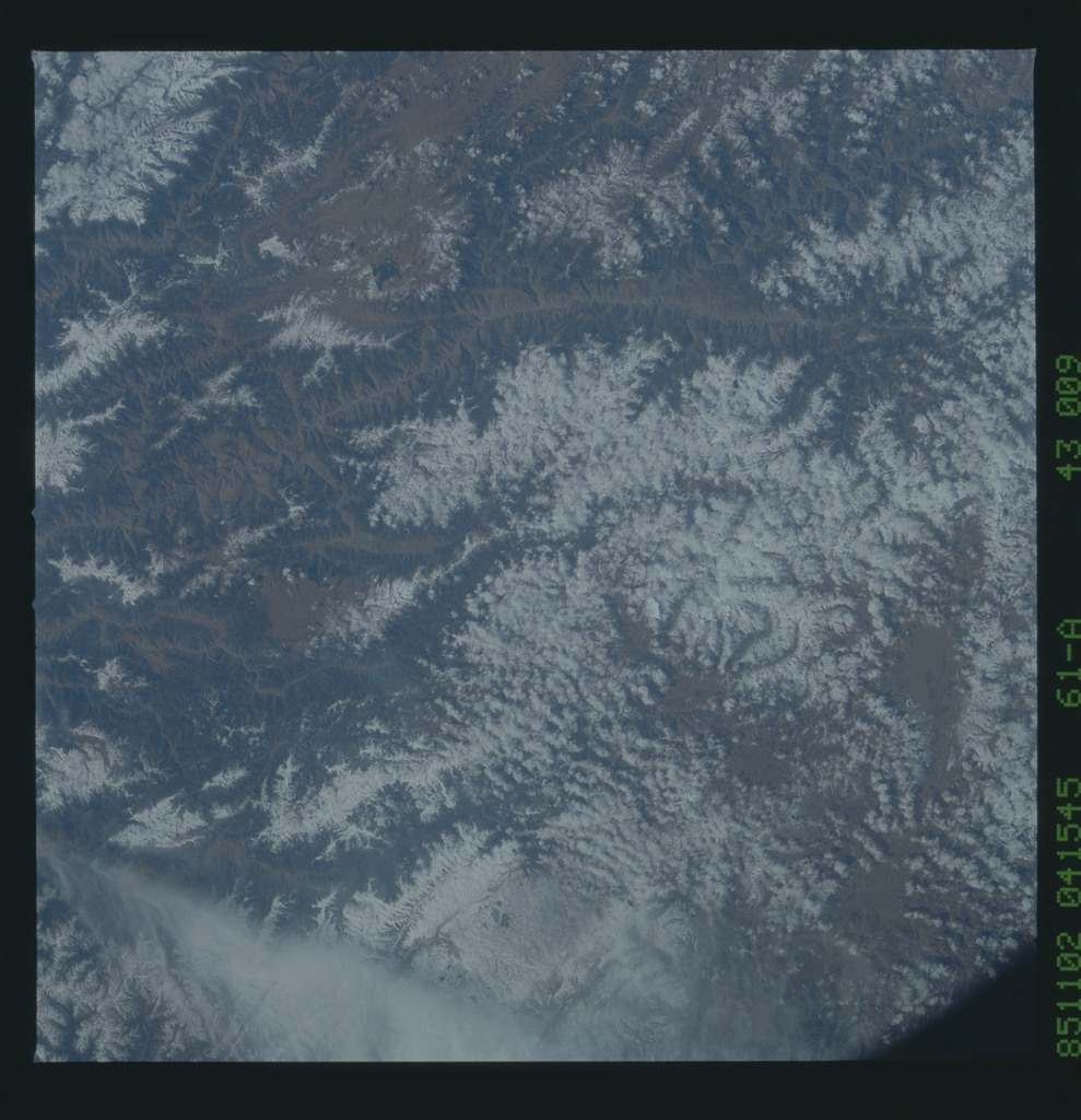 61A-43-009 - STS-61A - STS-61A earth observations