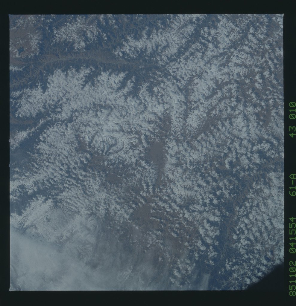 61A-43-010 - STS-61A - STS-61A earth observations