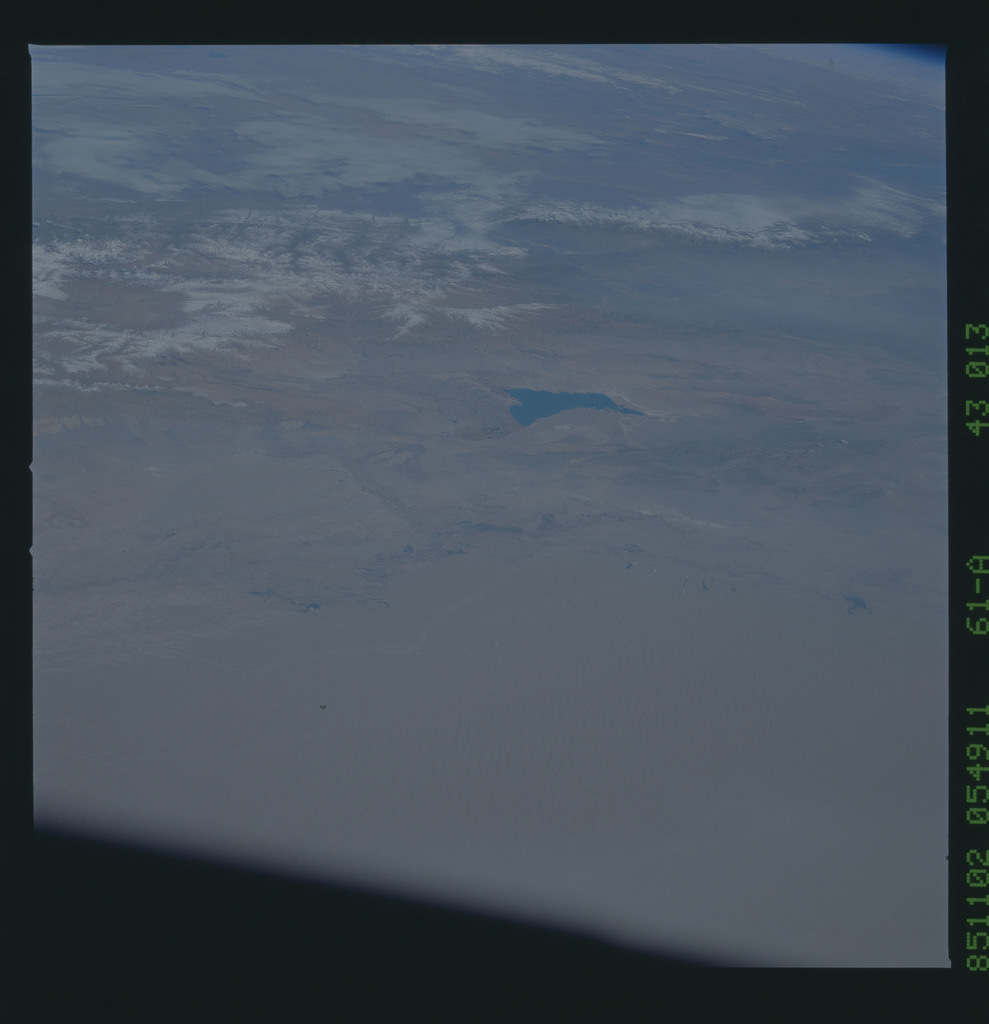 61A-43-013 - STS-61A - STS-61A earth observations