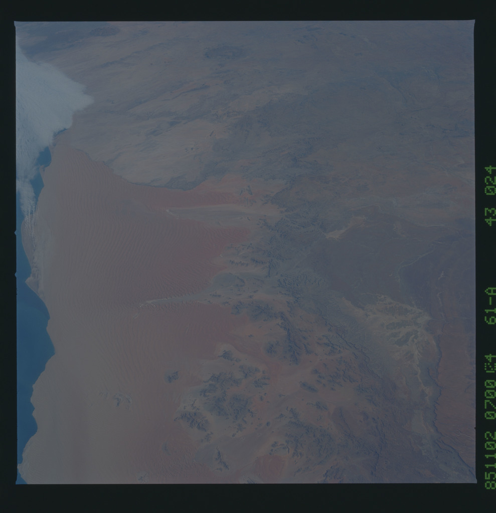 61A-43-024 - STS-61A - STS-61A earth observations