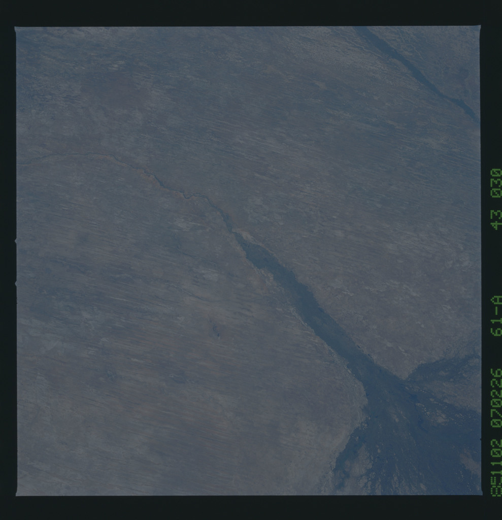 61A-43-030 - STS-61A - STS-61A earth observations