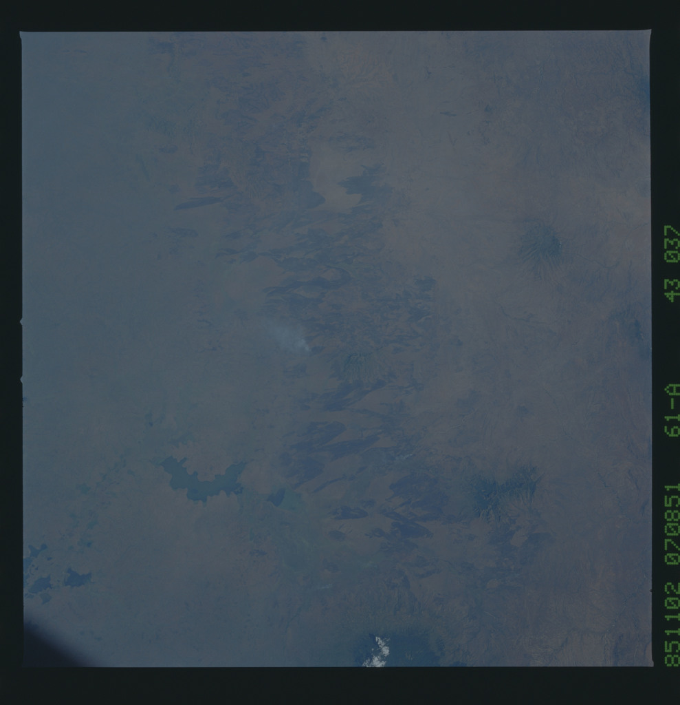 61A-43-037 - STS-61A - STS-61A earth observations