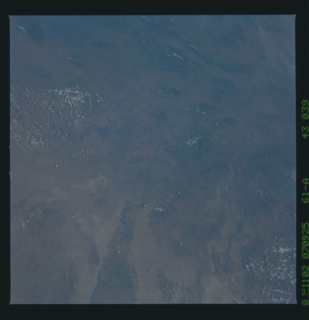 61A-43-039 - STS-61A - STS-61A earth observations