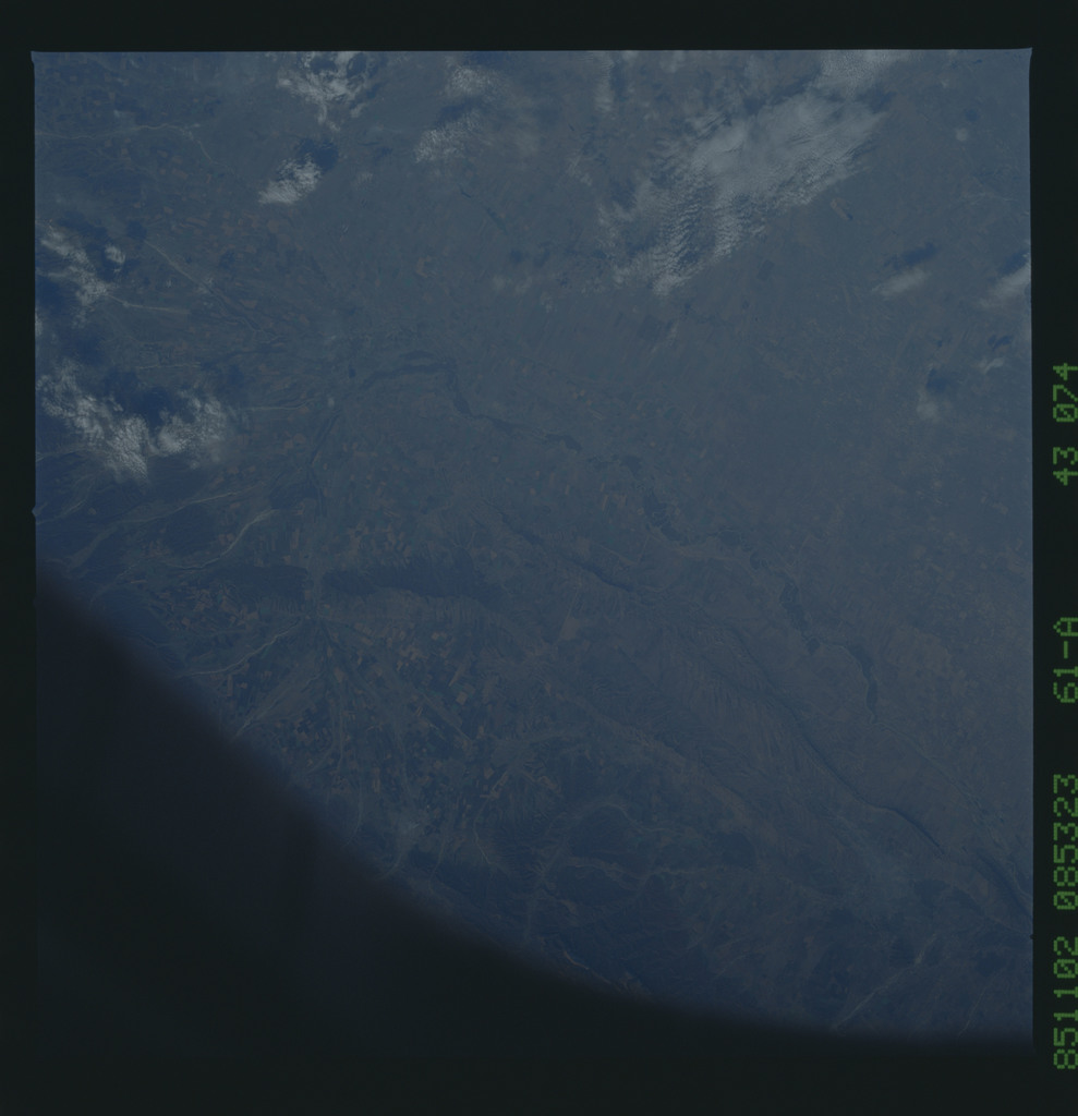 61A-43-074 - STS-61A - STS-61A earth observations
