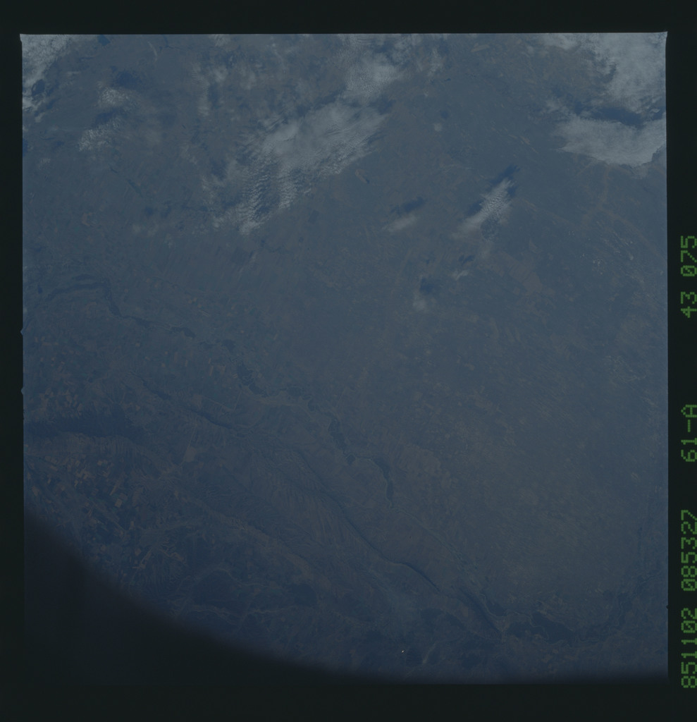 61A-43-075 - STS-61A - STS-61A earth observations