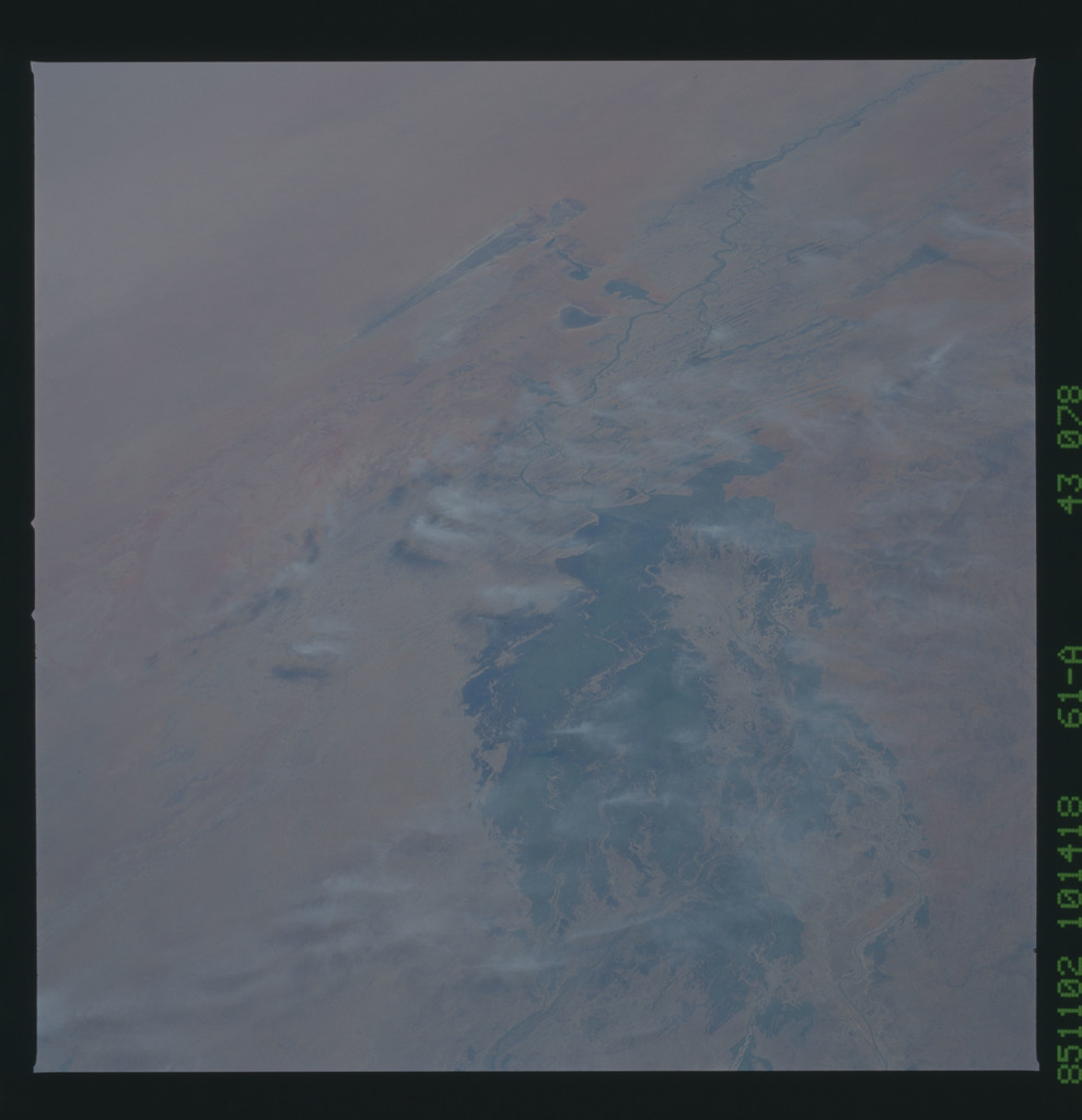 61A-43-078 - STS-61A - STS-61A earth observations
