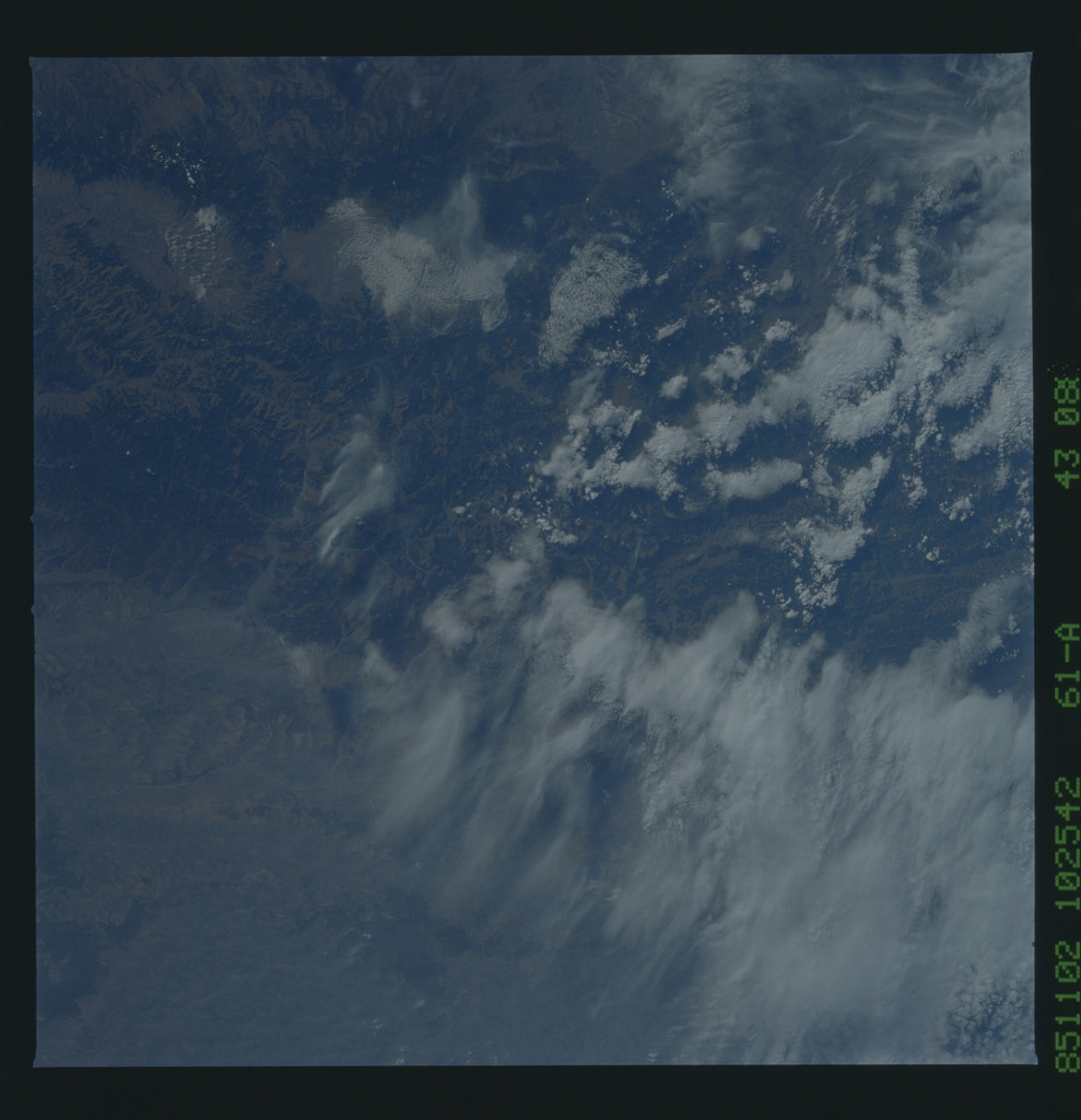 61A-43-088 - STS-61A - STS-61A earth observations