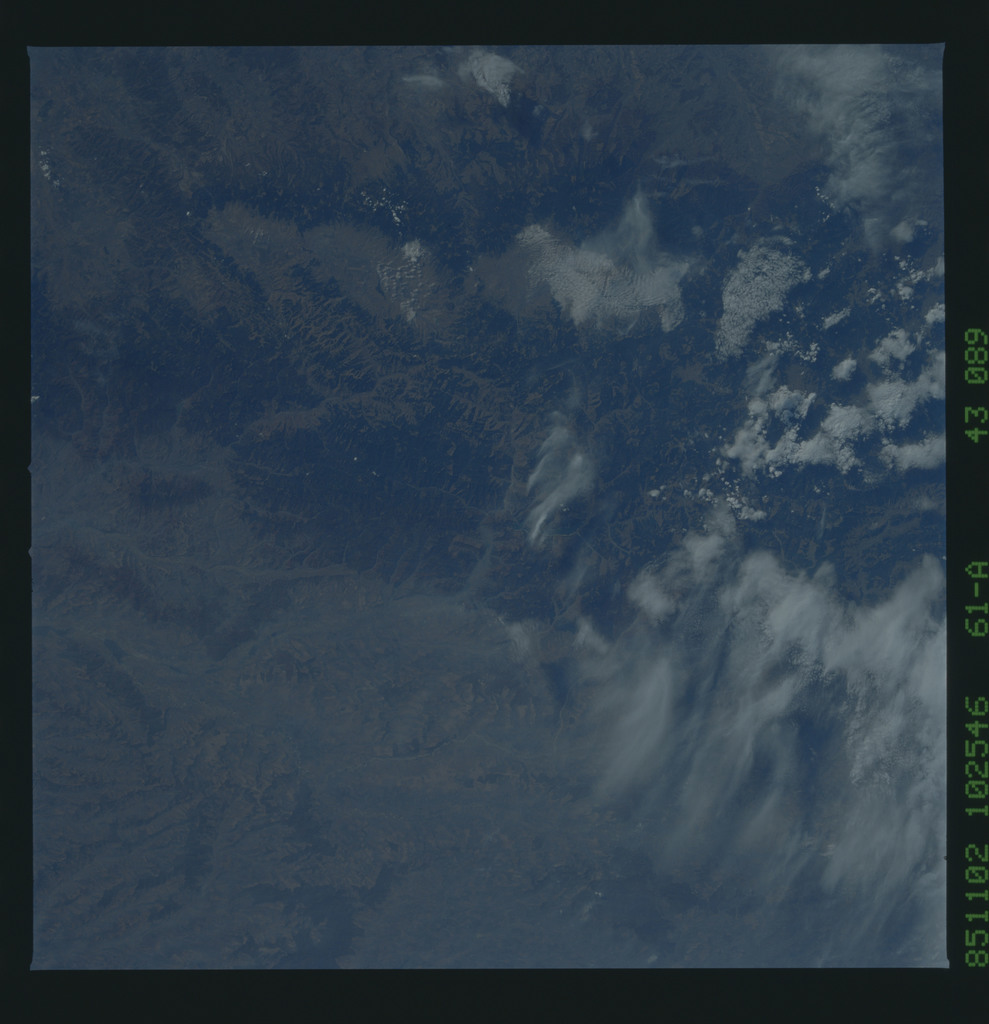 61A-43-089 - STS-61A - STS-61A earth observations