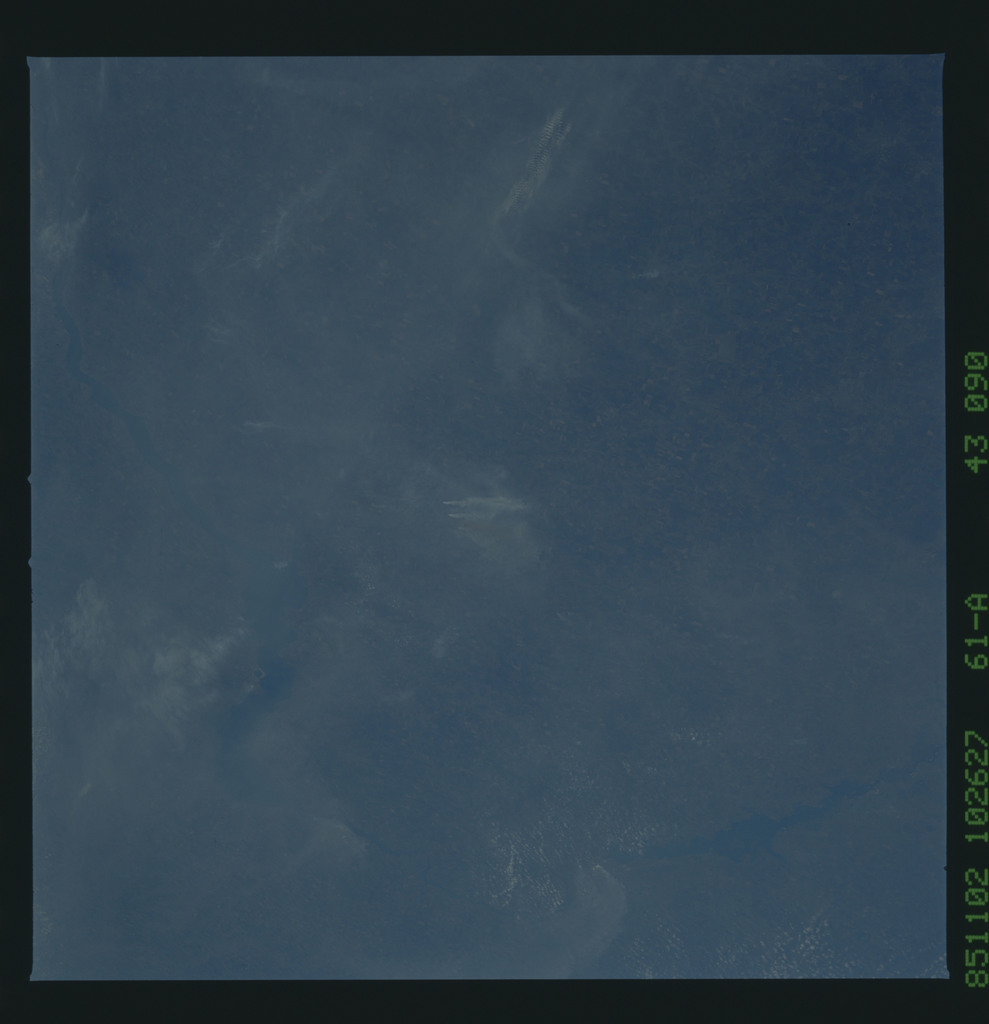 61A-43-090 - STS-61A - STS-61A earth observations