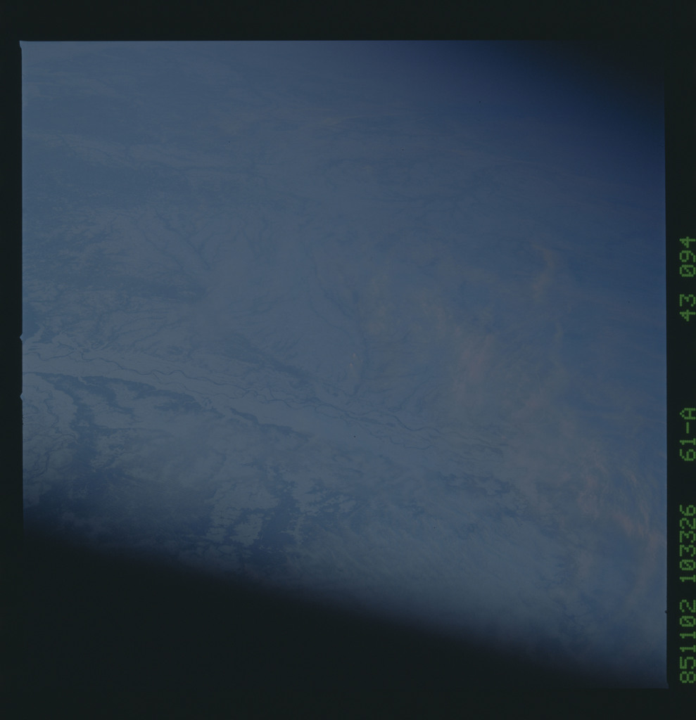 61A-43-094 - STS-61A - STS-61A earth observations