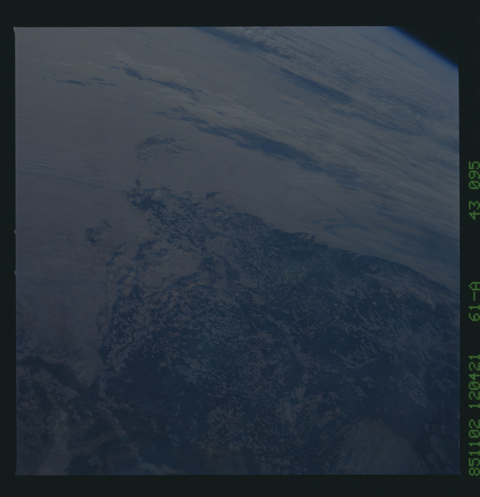 61A-43-095 - STS-61A - STS-61A earth observations