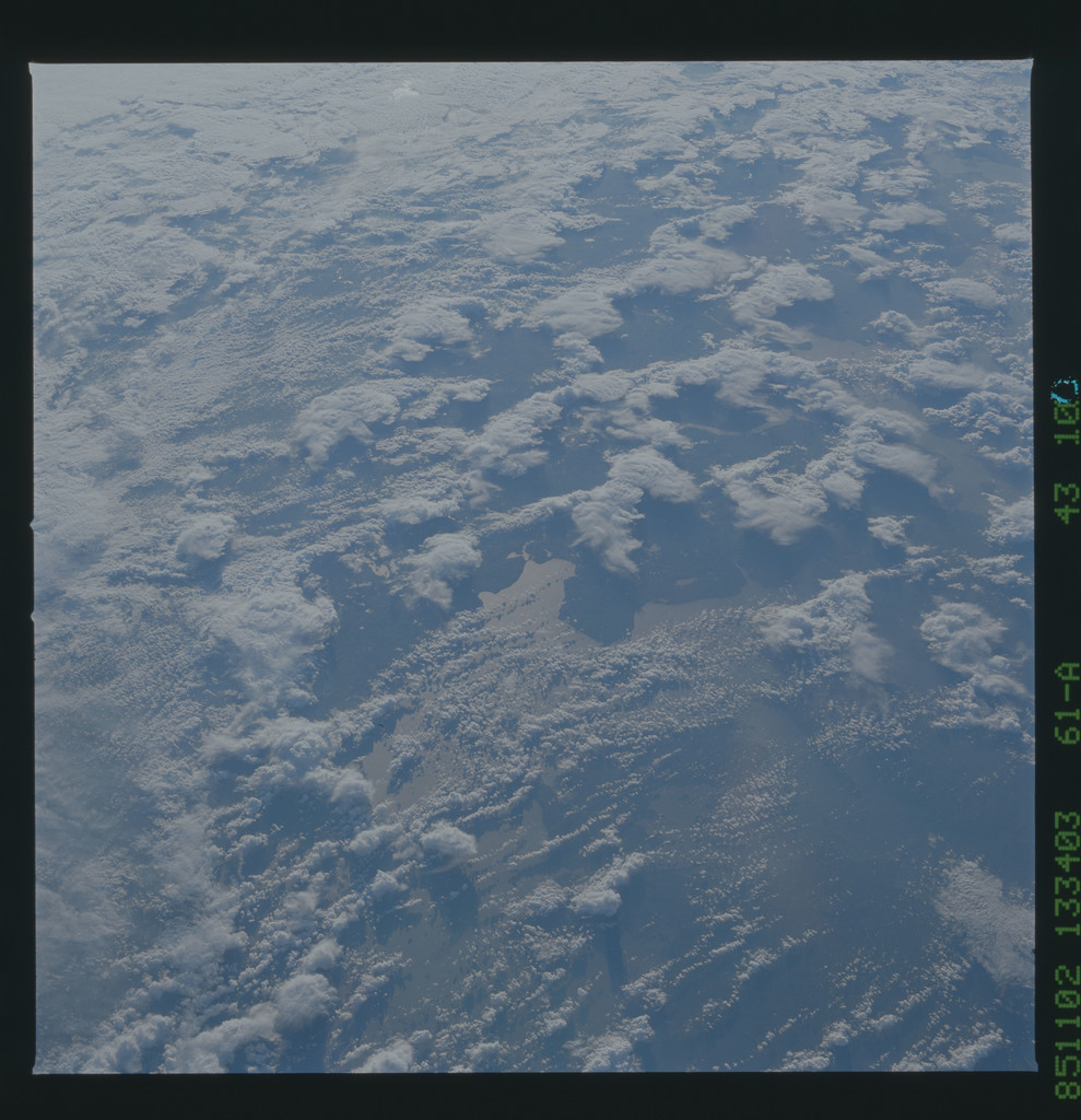 61A-43-100 - STS-61A - STS-61A earth observations
