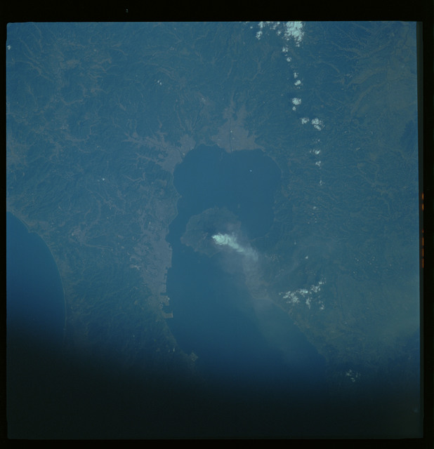 61A-480-021 - STS-61A - STS-61A ESA earth observations