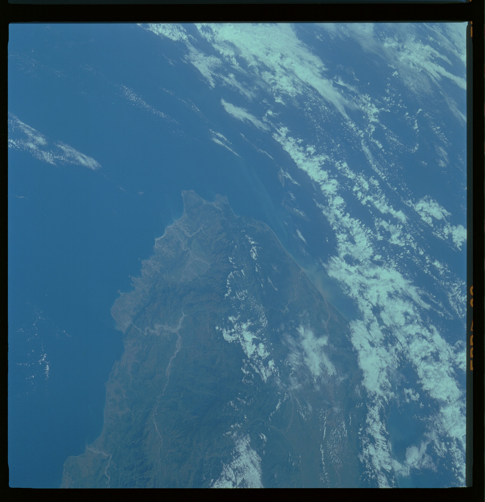61A-485-019 - STS-61A - STS-61A ESA earth observations