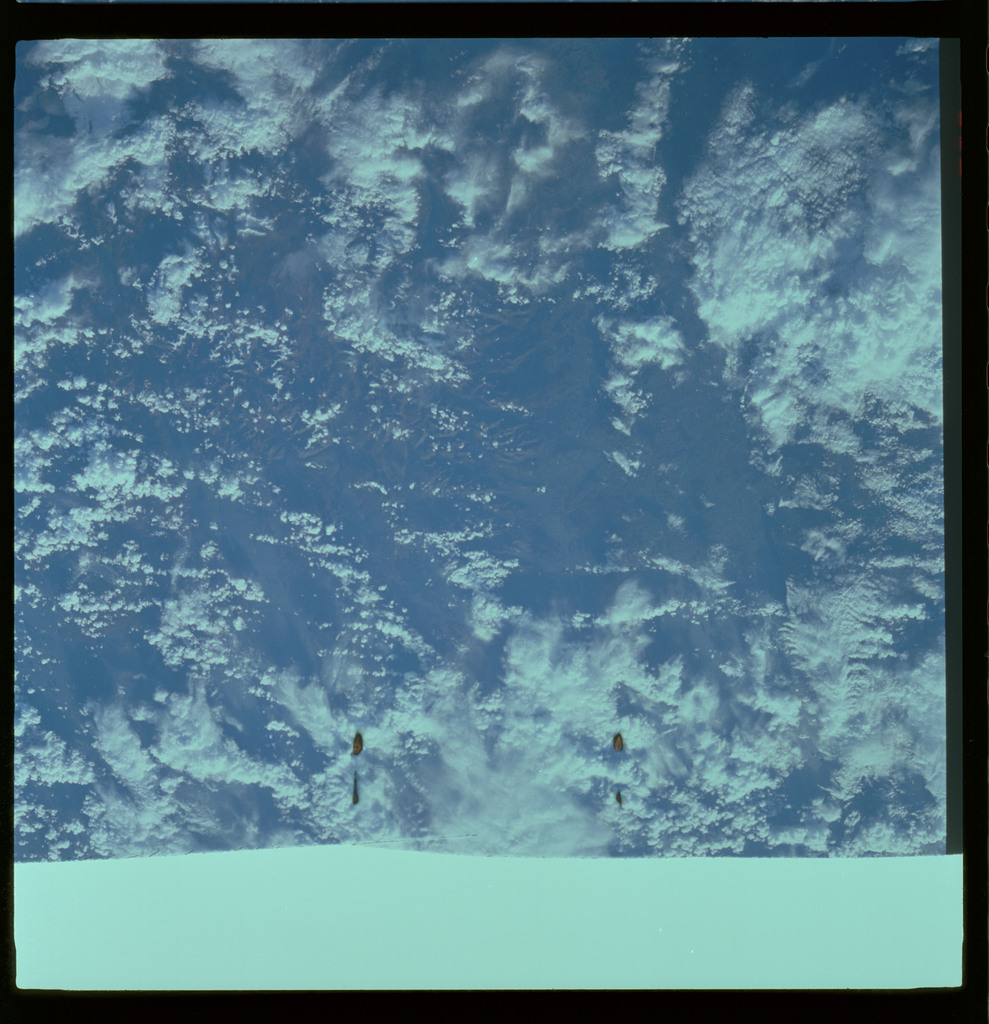 61A-486-001 - STS-61A - STS-61A ESA earth observations