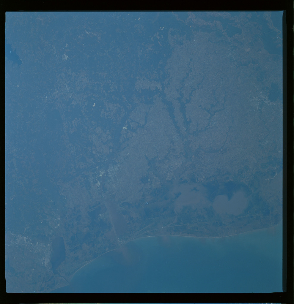 61A-486-010 - STS-61A - STS-61A ESA earth observations