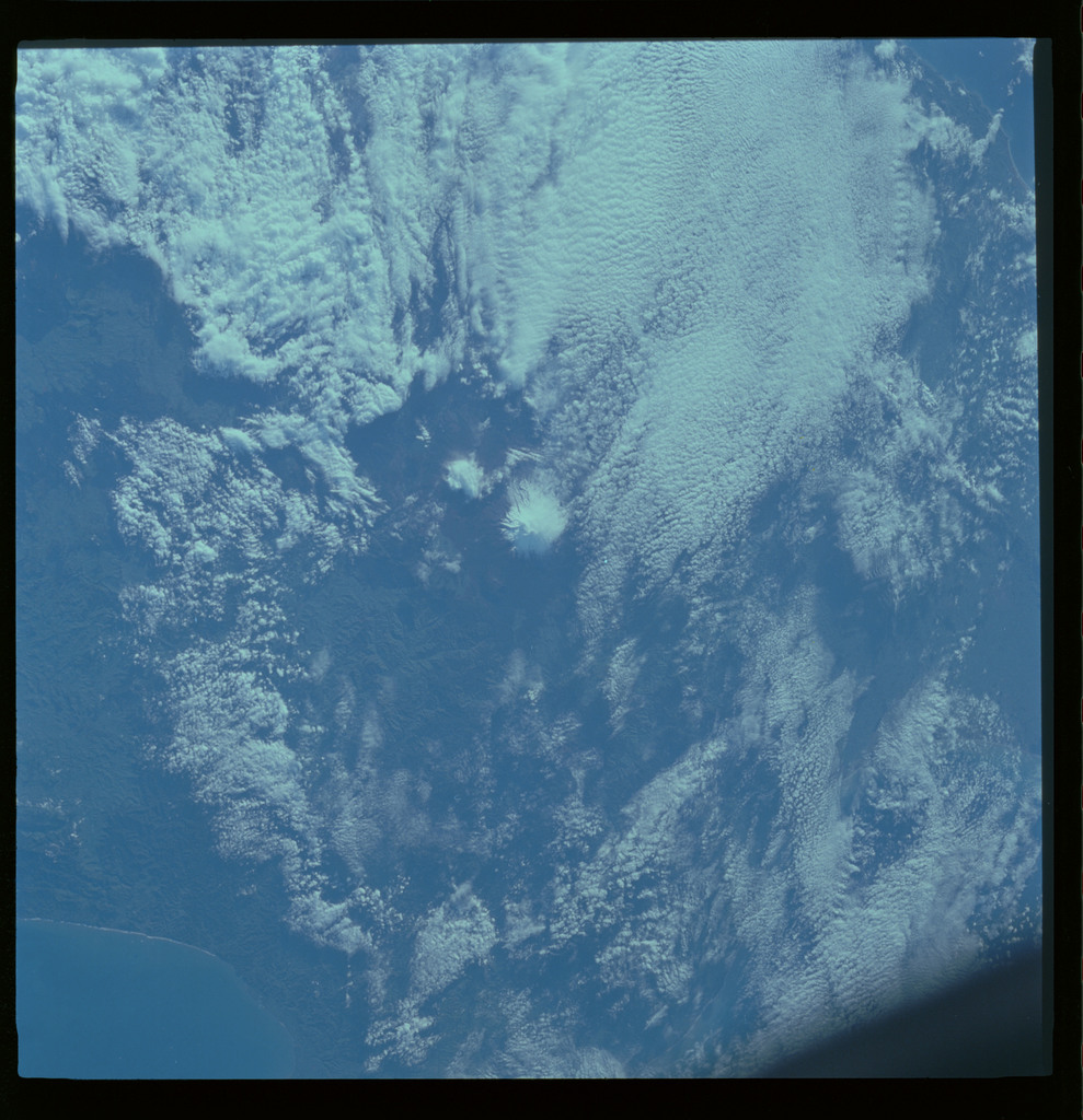 61A-487-001 - STS-61A - STS-61A ESA earth observations