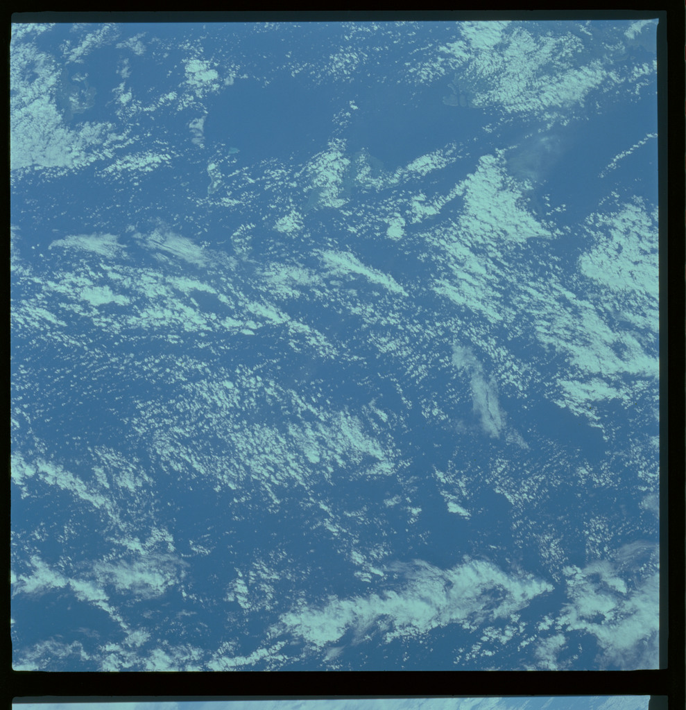61A-487-003 - STS-61A - STS-61A ESA earth observations