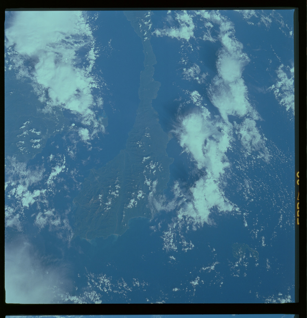 61A-487-013 - STS-61A - STS-61A ESA earth observations