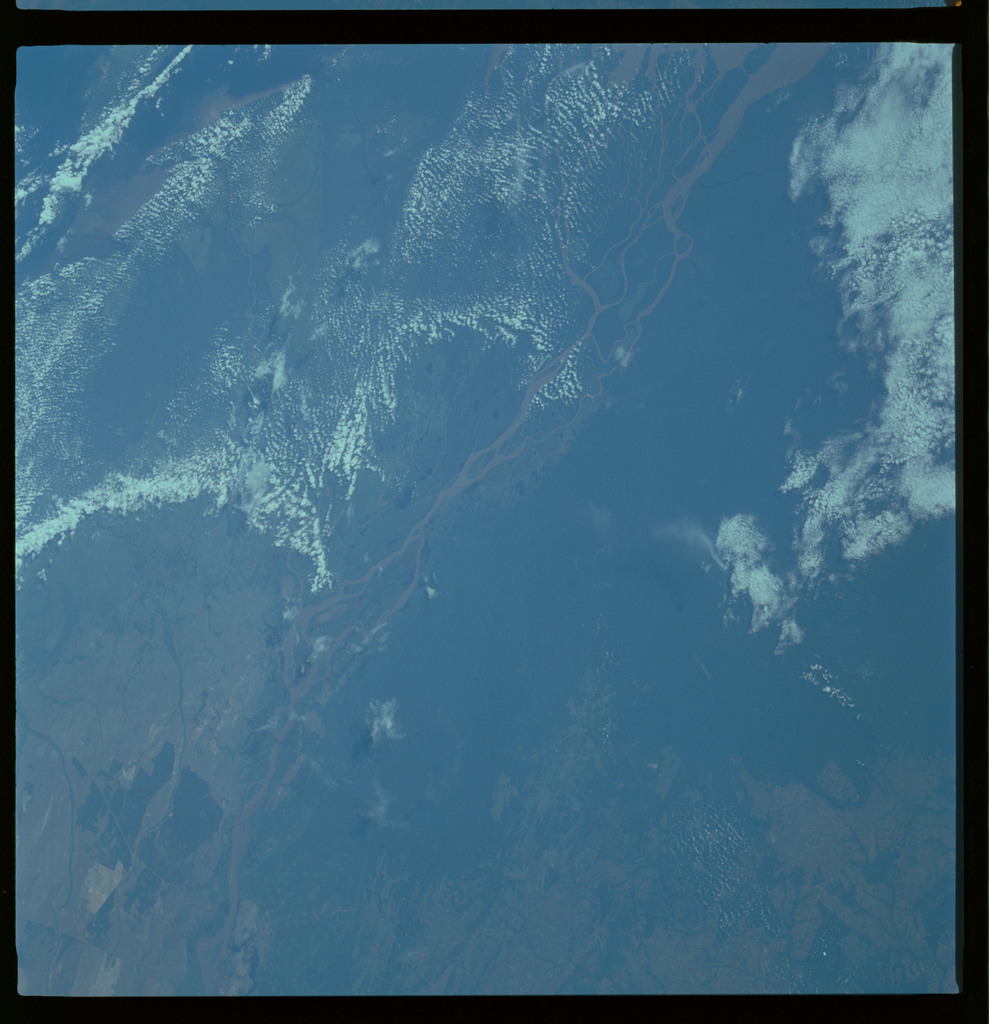 61A-489-015 - STS-61A - STS-61A ESA earth observations