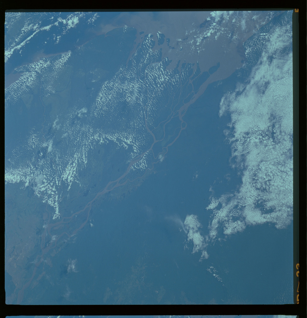 61A-489-016 - STS-61A - STS-61A ESA earth observations