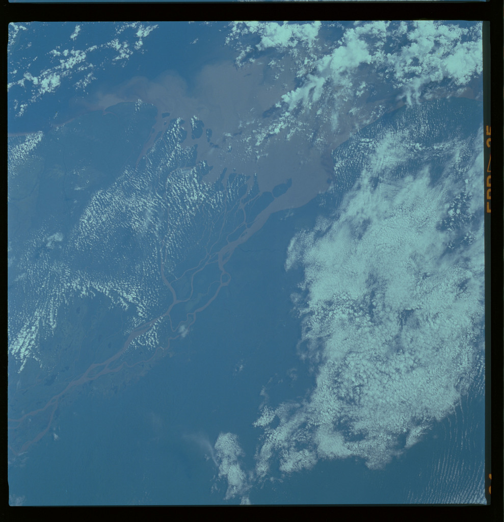61A-489-017 - STS-61A - STS-61A ESA earth observations