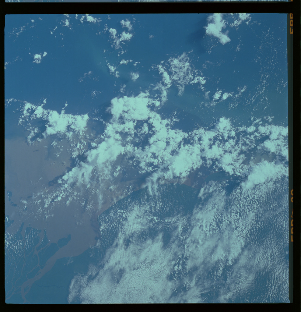 61A-489-020 - STS-61A - STS-61A ESA earth observations