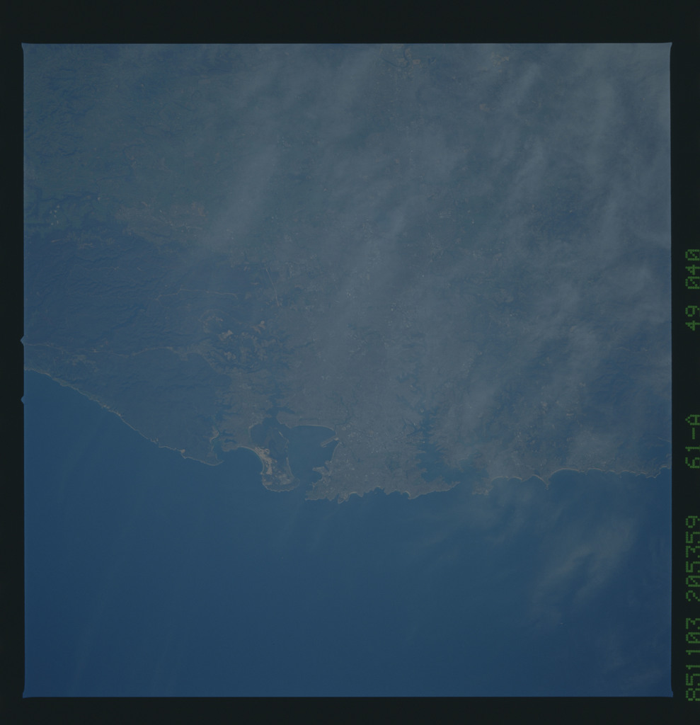 61A-49-040 - STS-61A - STS-61A earth observations