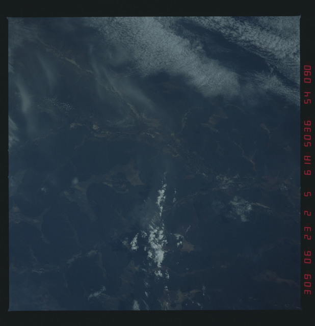 61A-54-090 - STS-61A - STS-61A earth observations