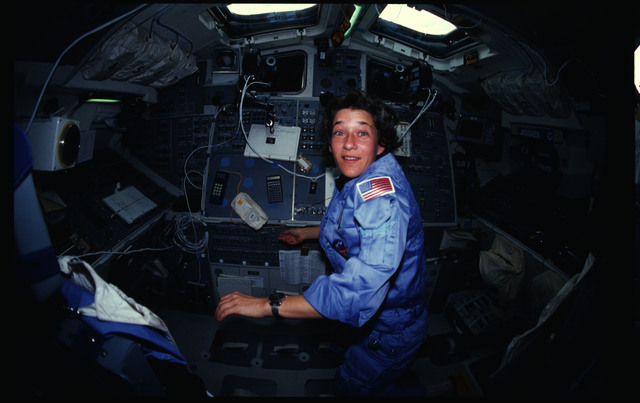 61B-03-032 - STS-61B - STS-61B crew activities - Shaw, Spring and Cleave