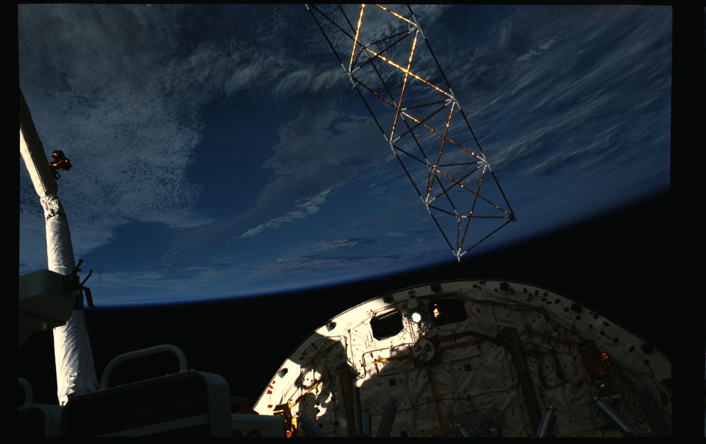 61B-102-048 - STS-61B - Ross and Spring during Extravehicular Activity (EVA) for STS-61B
