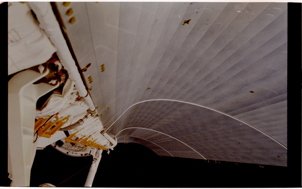 61B-103-020 - STS-61B - Ross and Spring during Extravehicular Activity (EVA) for STS-61B