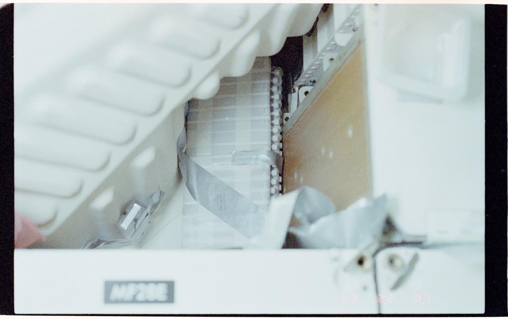 61B-107-011 - STS-61B - Middeck stowage