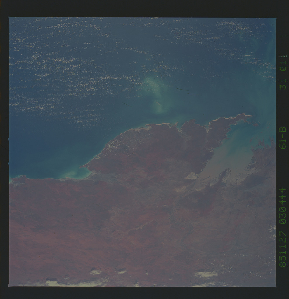 61B-31-011 - STS-61B - STS-61B earth observations