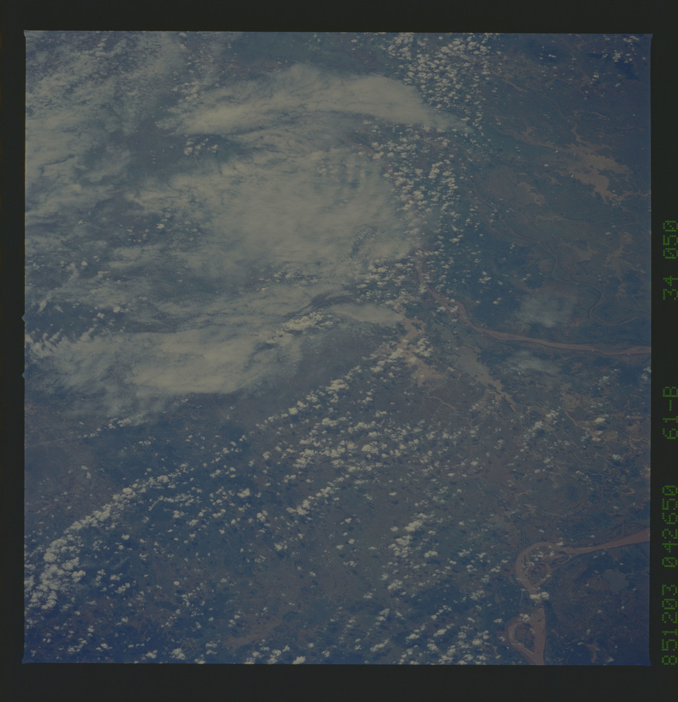 61B-34-050 - STS-61B - STS-61B earth observations