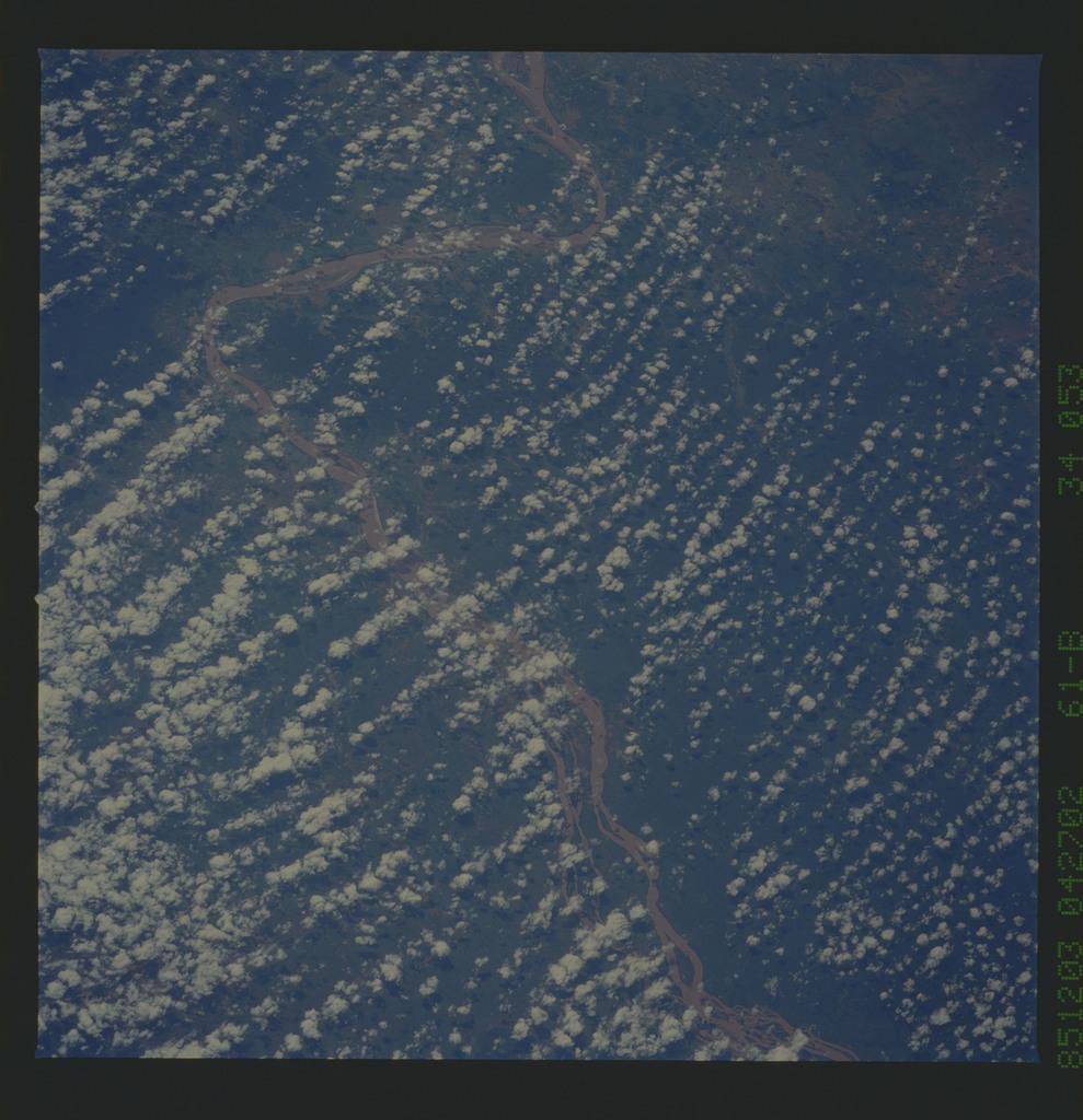 61B-34-053 - STS-61B - STS-61B earth observations