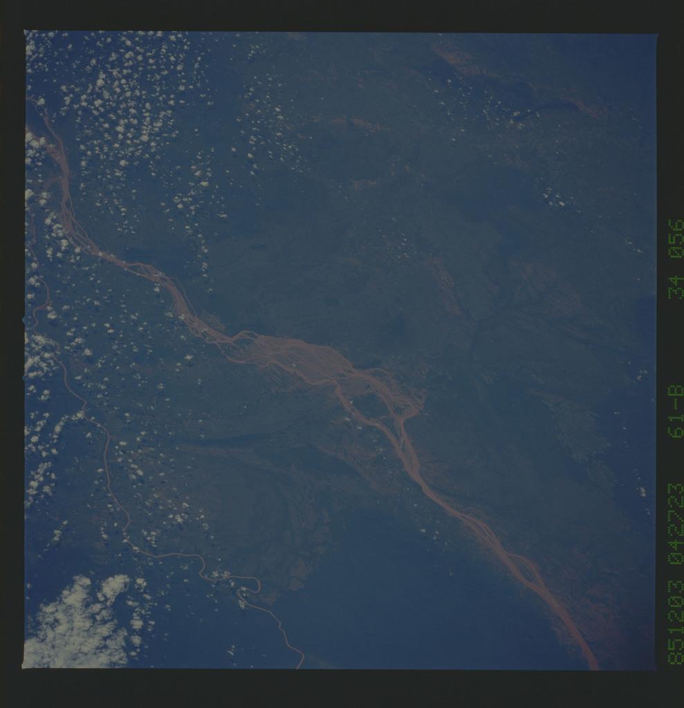 61B-34-056 - STS-61B - STS-61B earth observations