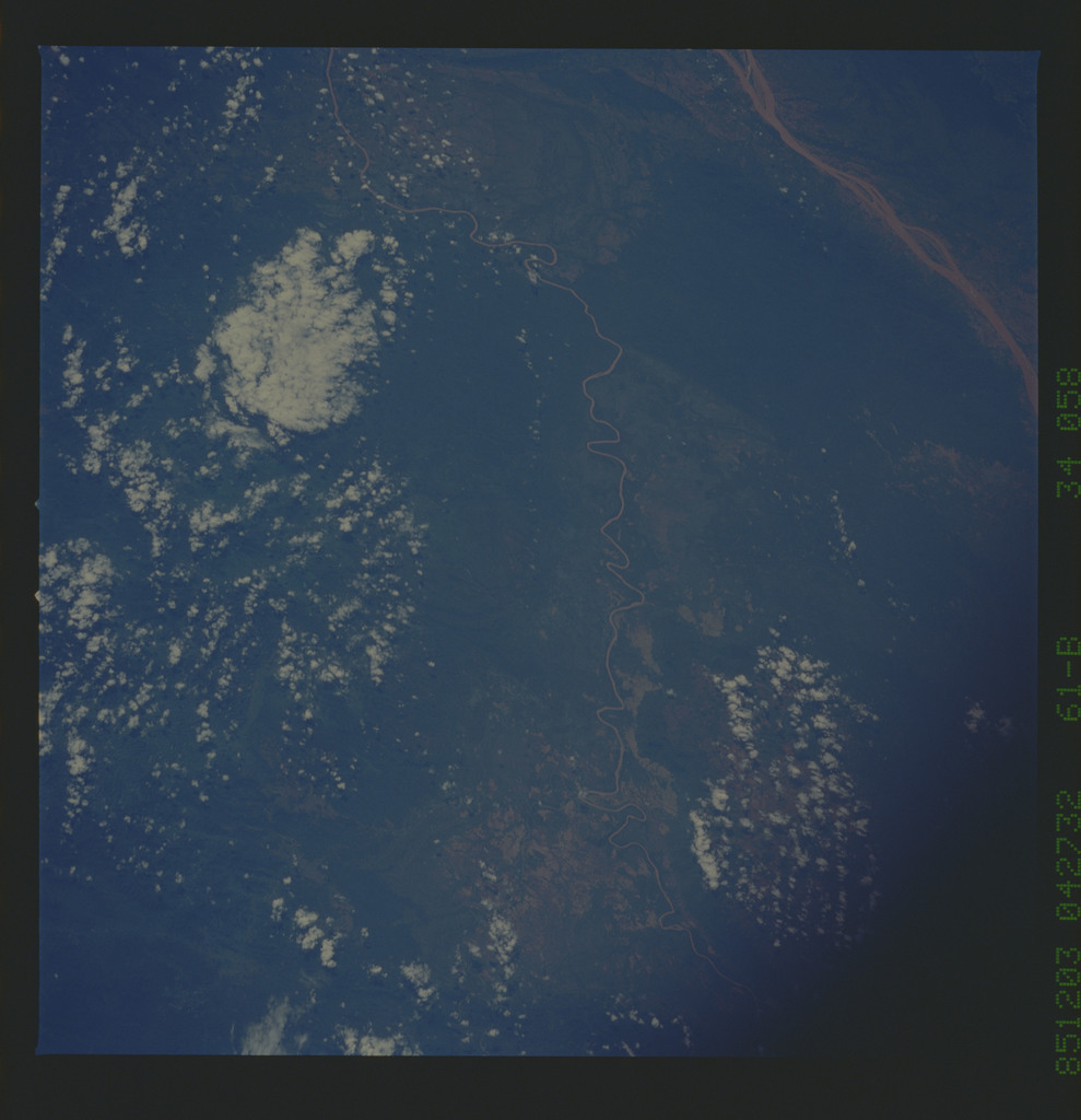 61B-34-058 - STS-61B - STS-61B earth observations