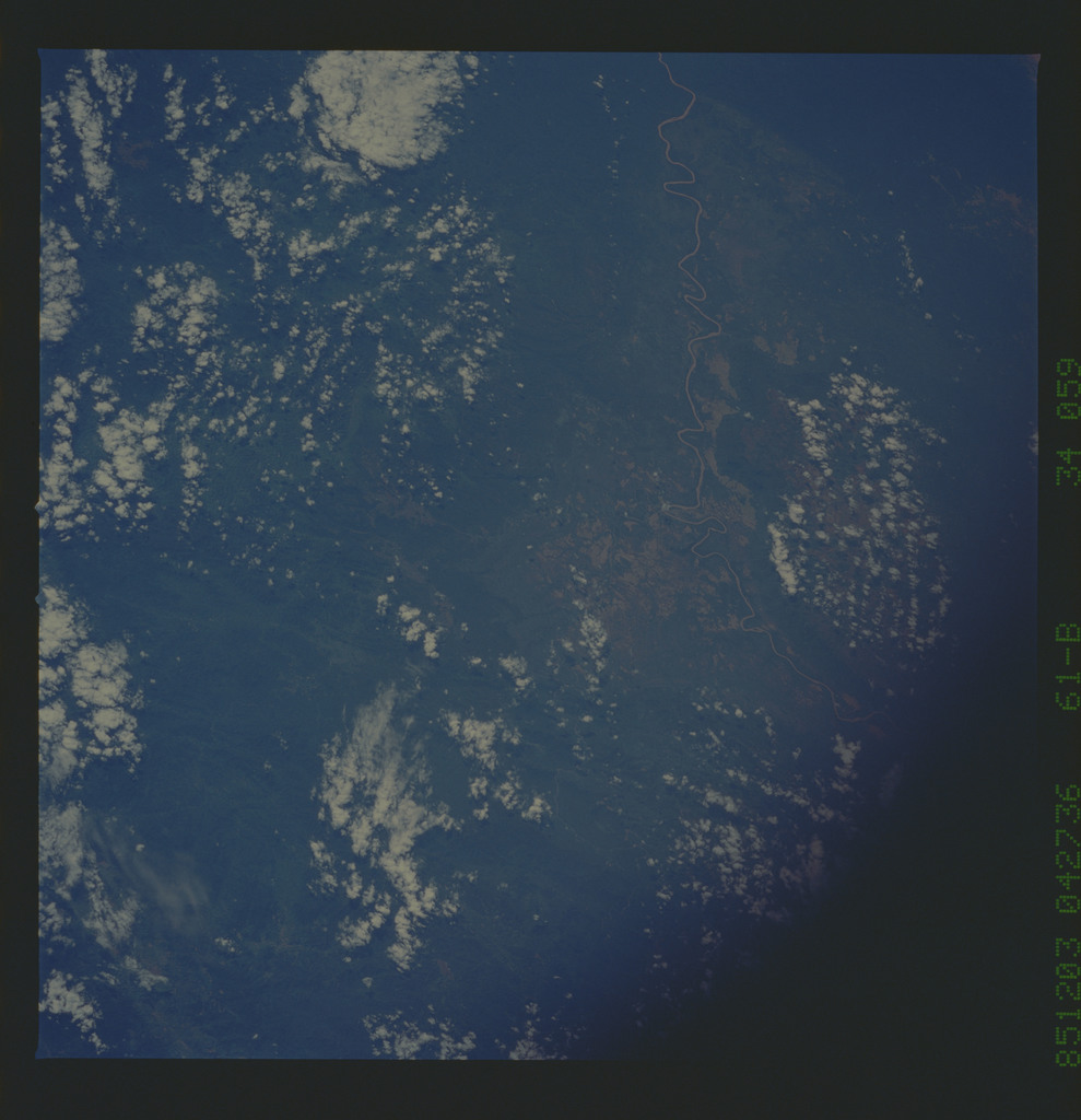 61B-34-059 - STS-61B - STS-61B earth observations